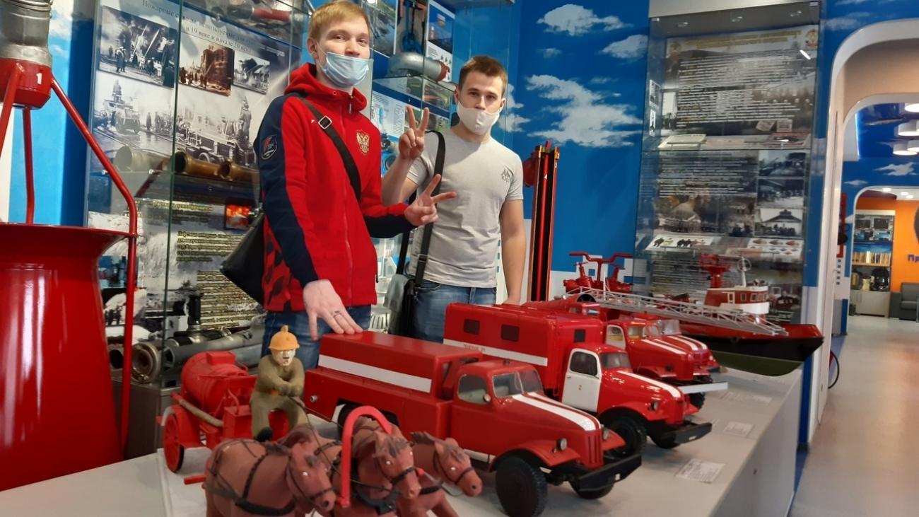 Студенты третьего курса (группа ПД181) посетили Пожарно-спасательную выставку Главного управления МЧС России по Кемеровской области.
